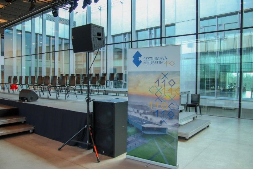 GALERII | Eesti Rahva Muuseum tähistas 110. sünnipäeva, kus pisteti pintslisse 110kilone hiigeltort