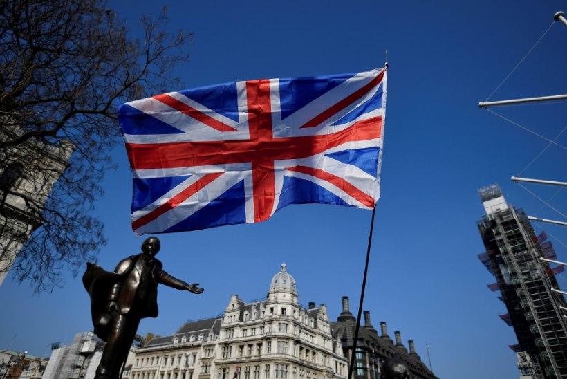Британским учителям выплатили 17 млн евро из-за дискриминации