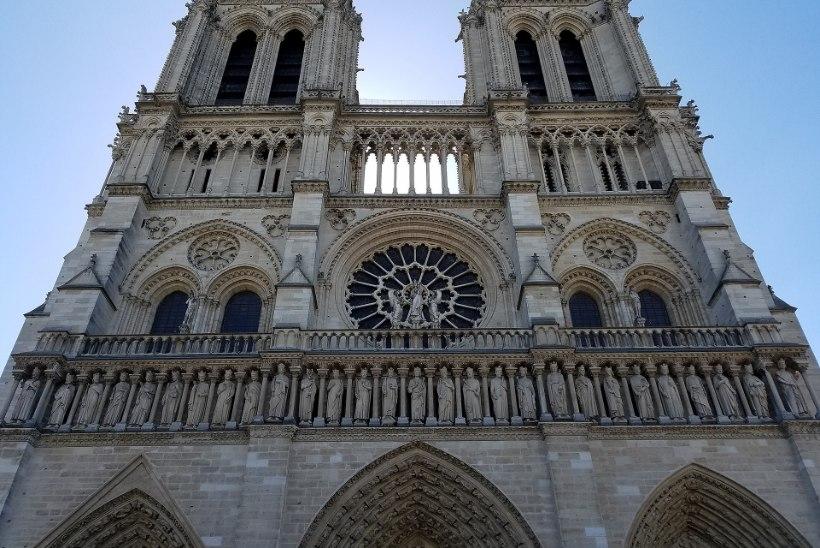 """Ajaloolane Jaak Juske: """"Kindlasti tõuseb ka Pariisi katedraal tuhast."""""""