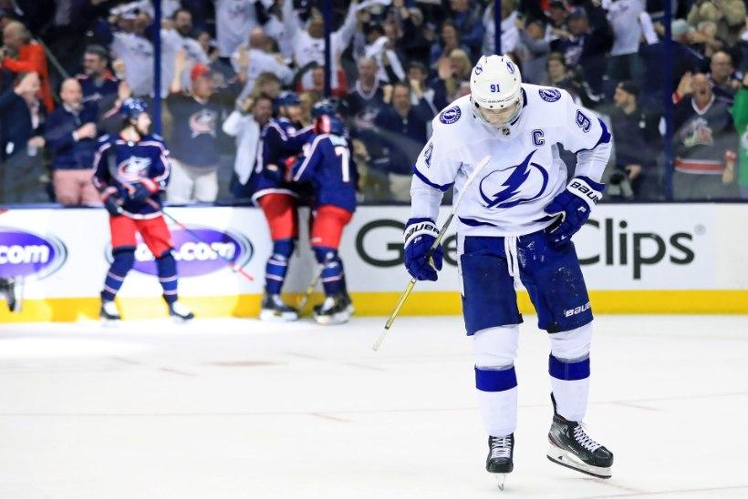 NHLi põhihooaja ülivõimas võitja hävis play-offis täielikult ning püstitas antirekordi