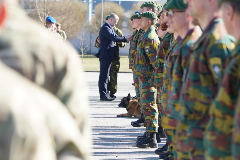 GALERII | Belgia teenistuskoerad said kaela missioonimedalid