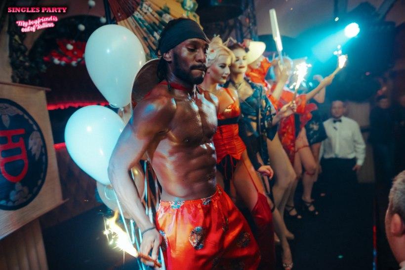 PEOGALERII | Klubis Teater mürgeldasid taas lõbujanulised vallalised