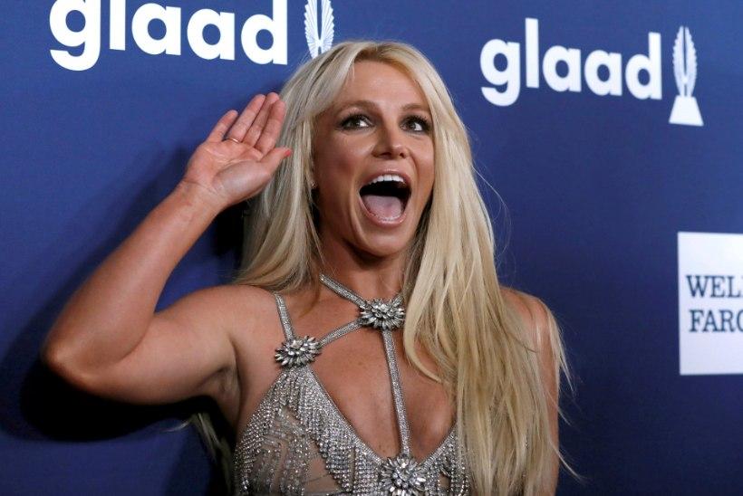Britney ema käitumine tekitab küsimusi tütre vaimse tervise suhtes