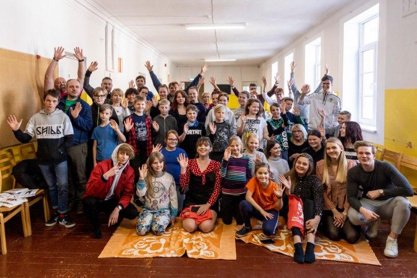 SÜDAMLIK GALERII | Leinatoetuslaagris käisid lapsi üllatamas superstaarisaate osalejad!