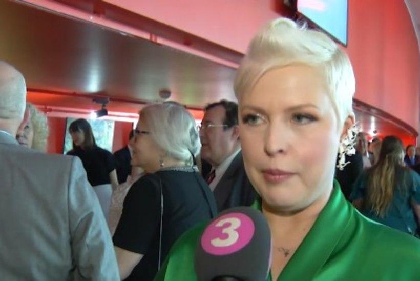 TV3 VIDEO | Muusikust kallimast lahku läinud Evelin Ilves väisas EFTA galat salapärase härra seltsis