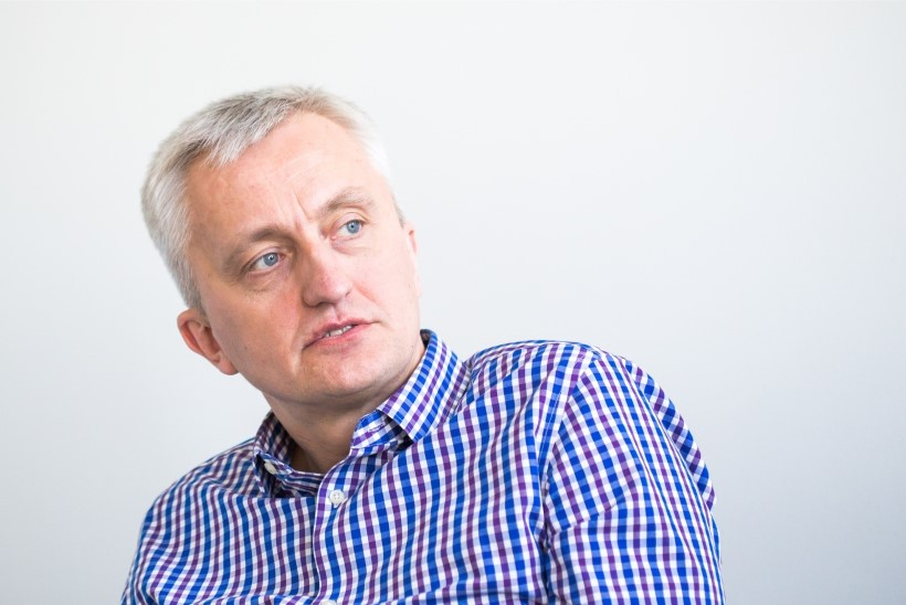 Indrek Neivelt: eestlastel on liiga kõrgete tasude ja raha paigutamise piirangute tõttu jäänud teenimata ligikaudu miljard eurot
