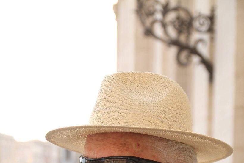 Suri vaimulik ja teoloogiaprofessor Vello Salo