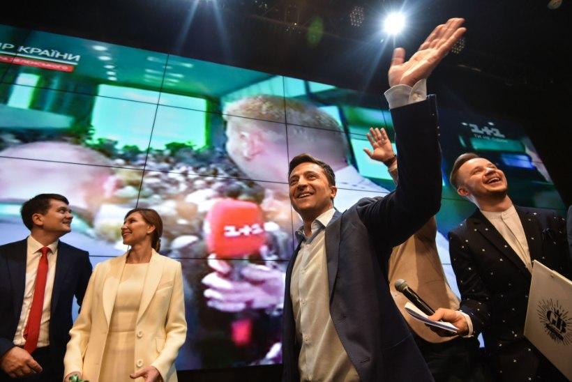Ukraina uueks presidendiks sai ülekaaluka toetusega koomik Zelenskõi