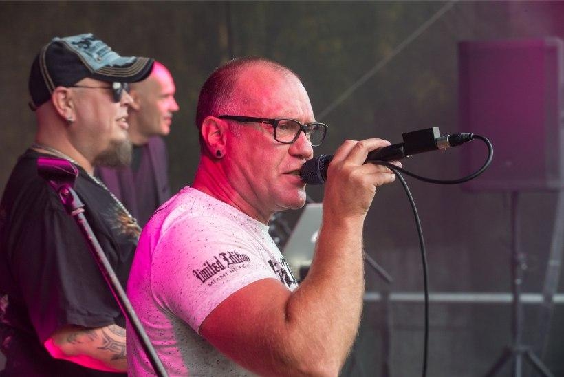 Hellad Velled: paljud Eesti bändid olid valmis peale maksma, et Sossi klubi lavale saada
