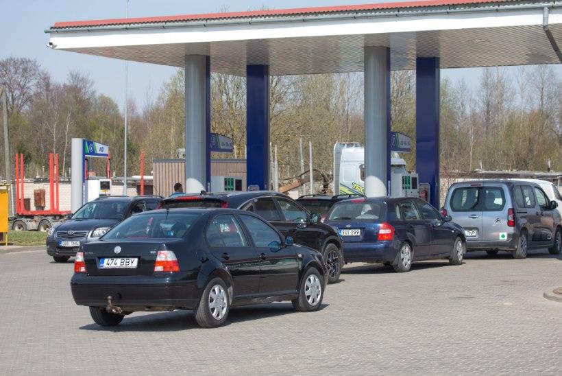 Eesti autod ummistavad Läti tanklaid