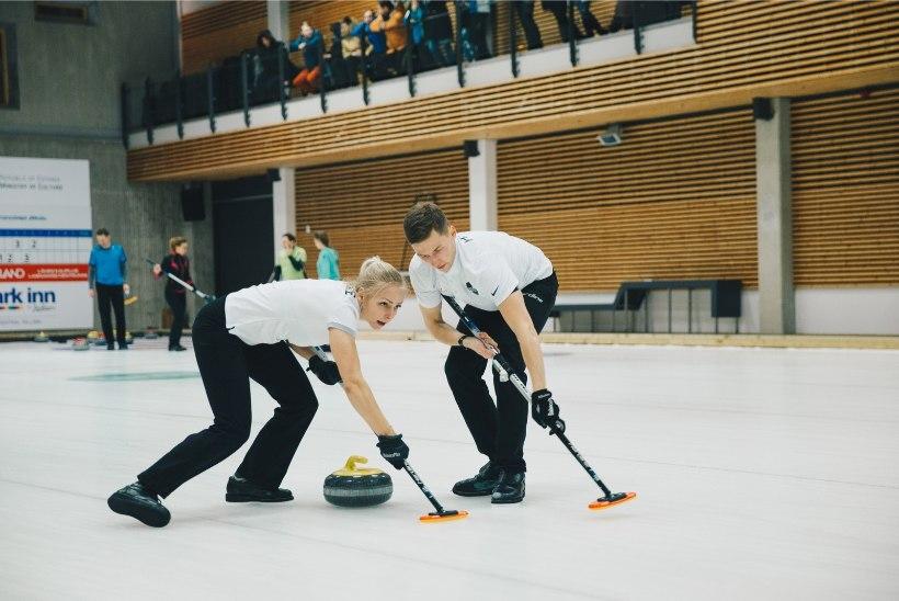 AI! Eesti kurlingupaar sai MMil esimese kaotuse
