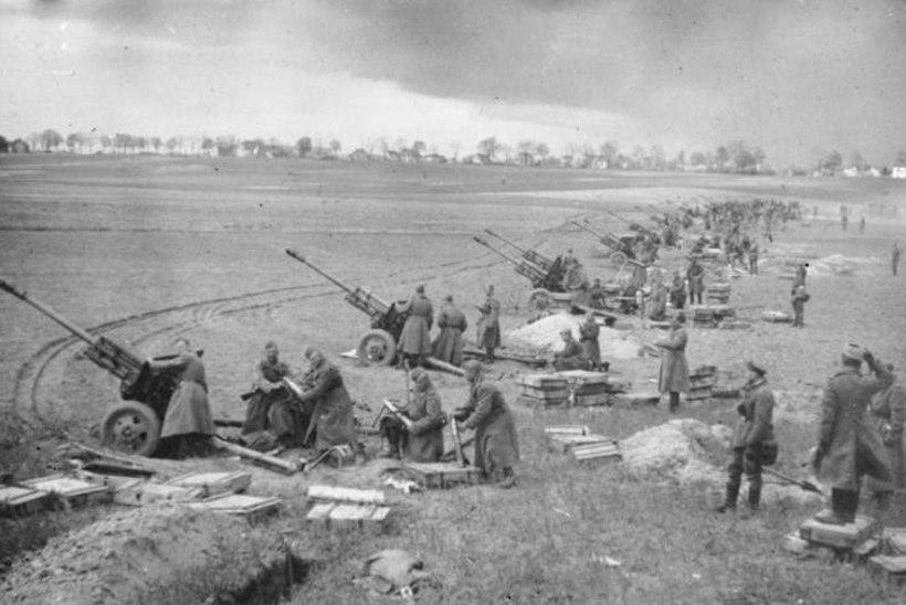 Purustatud Saksa vägi peatas marssal Žukovi Punaarmee