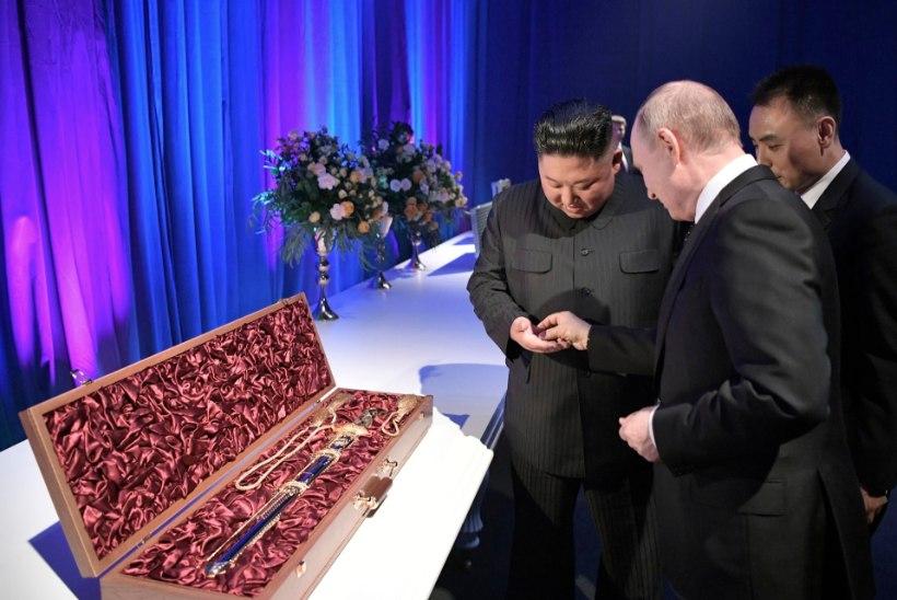 VENEMAA – PÕHJA-KOREA TIPPKOHTUMINE: Kim kinkis Putinile mõõga