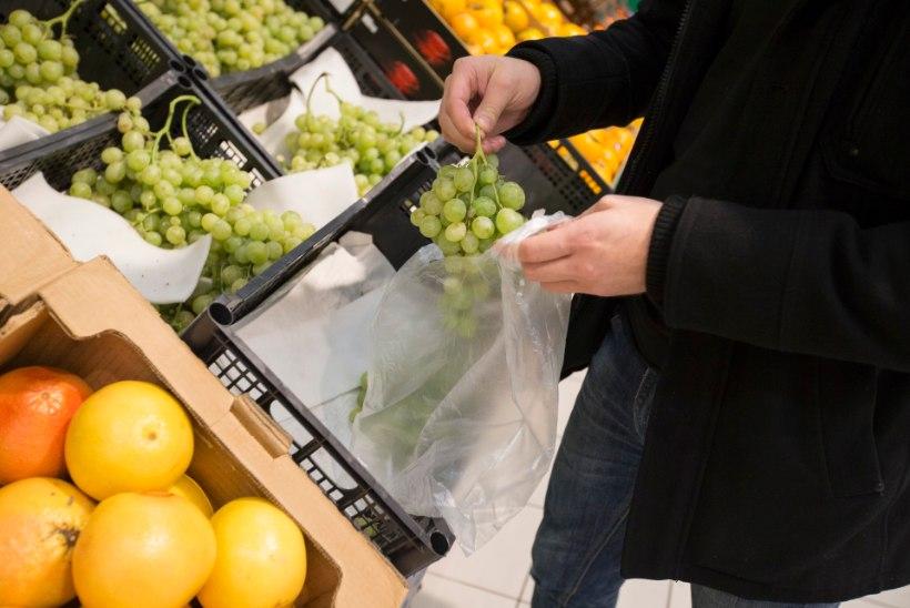 KATSE: inimesed on nõus köögiviljaletis kilekotikese eest raha maksma