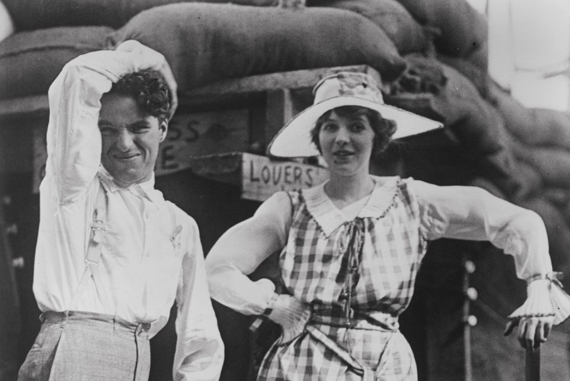 4 ABIKAASAT, 2000 ARMUKEST – plikademaias Charlie Chaplin ei usaldanud naisi