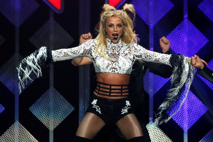 Britney pääses ravilt, kuid tema veider trennivideo tekitab kõhedust