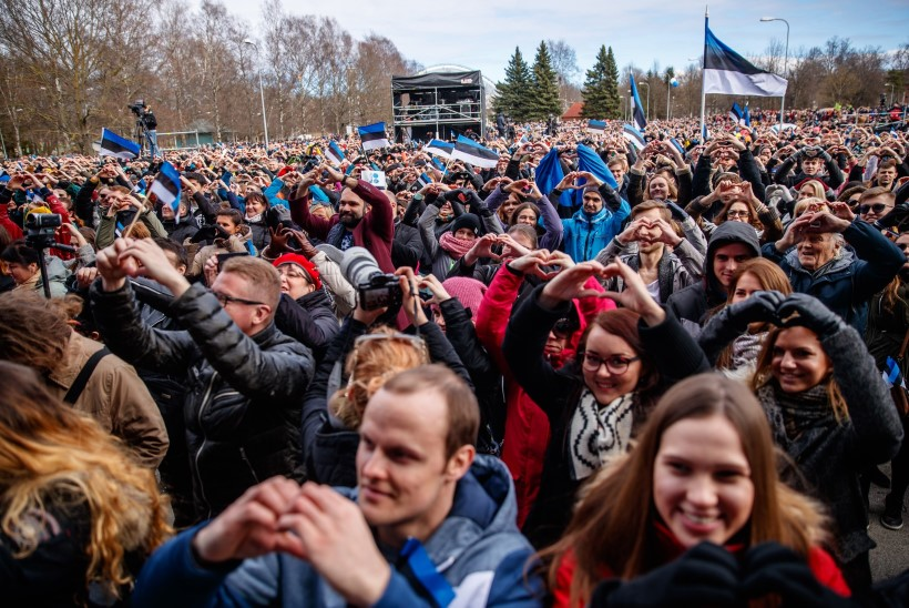 APRILL PILDIS | Kaljulaid käis Kremlis, Reinsalu autojuht jäi keset tööpäeva magama