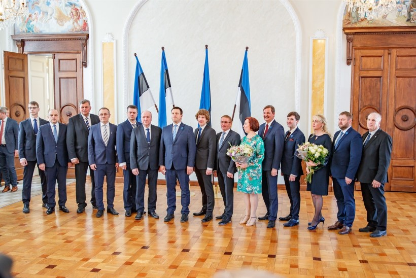 Küsimus | Kas spiikril oli õigus lasta riigikogust ära koristada ELi lipud?