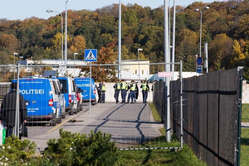 Viljandis kihutasid koolimaja juurde kiirabi, tuletõrje ja terve bussitäis politseinikke