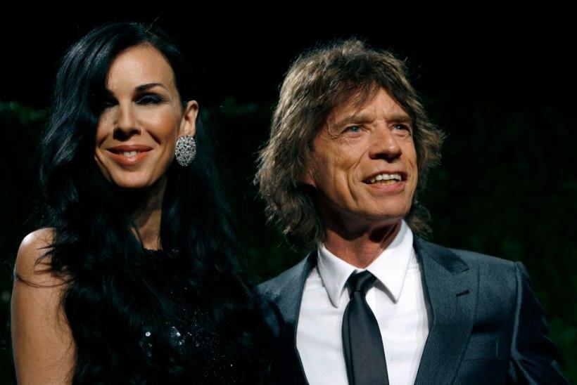 Jagger mälestab viis aastat tagasi vabasurma läinud elukaaslast