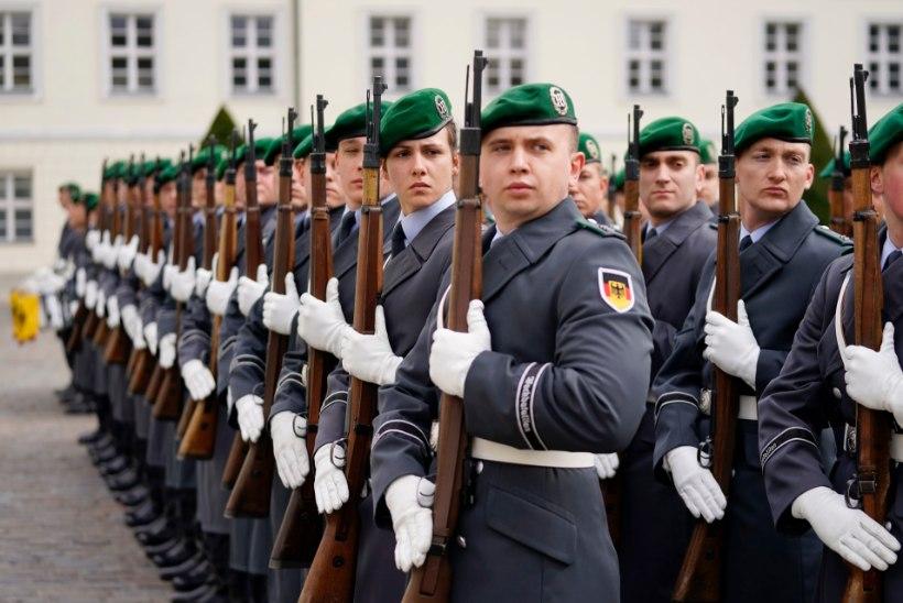 PÄEVA KASUTU FAKT | Sajad Saksa meessõdurid vajavad rinnavähendamise operatsiooni