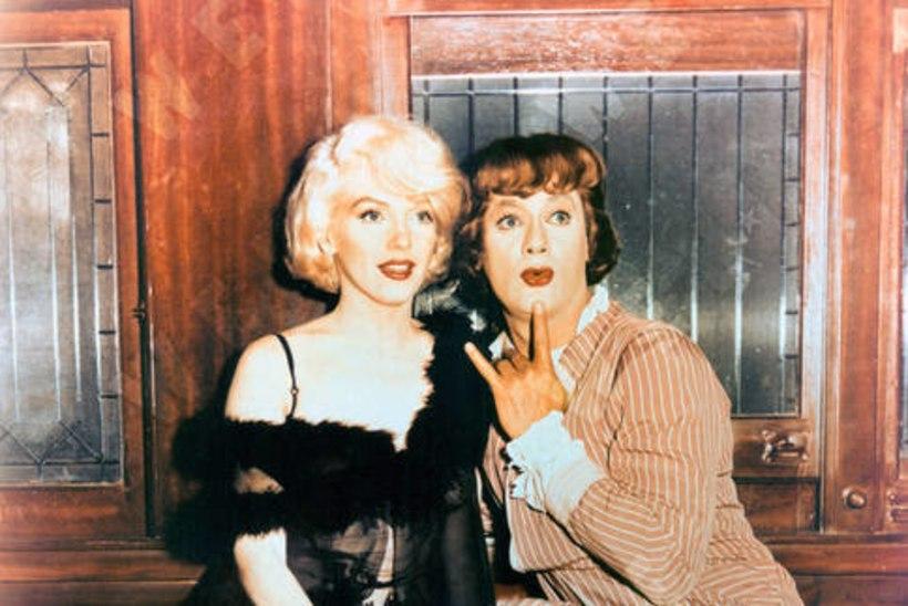 """60 AASTAT KOMÖÖDIAST """"DŽÄSSIS AINULT TÜDRUKUD"""": """"Marilyni aju on nagu Šveitsi juust – auke täis!"""""""