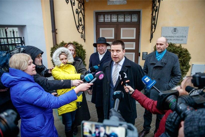 Kolme erakonna volikogud kinnitasid koalitsioonileppe