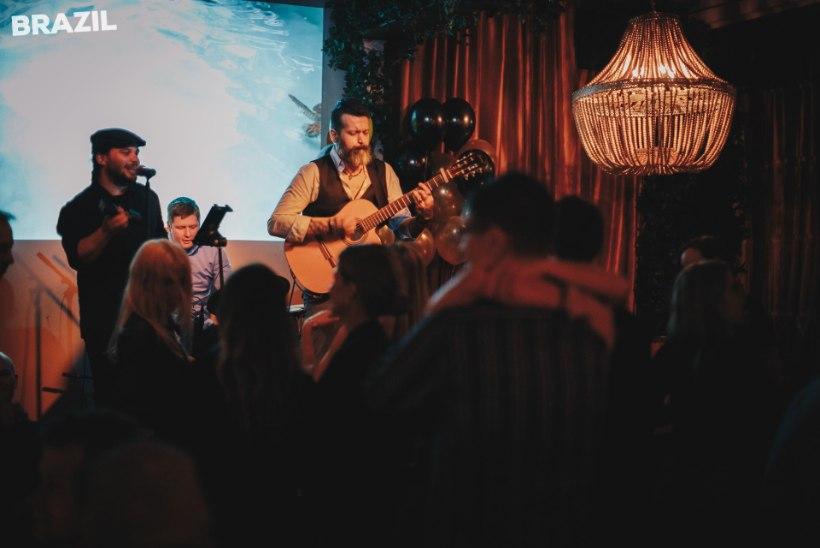 PILDID | Pidu ja pillerkaar Brasiilia moodi, Lounge Deja Vu`s peeti sünnipäeva