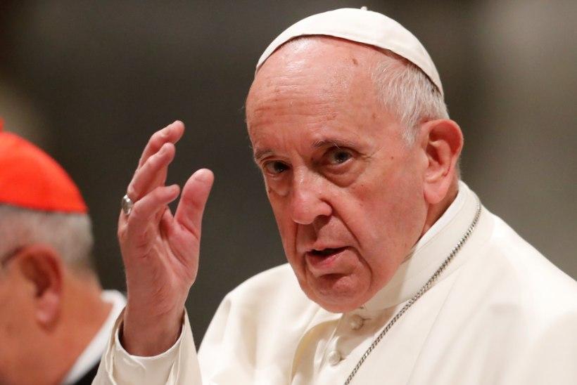 Paavsti uued reeglid teevad seksuaalkuritegudest teatamise katoliku kirikus kohustuslikuks