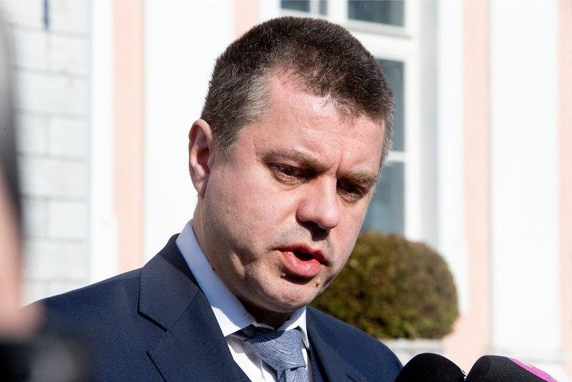 Reinsalu: meie suhe Venemaaga on super-tasemel, sest tankid on ju läinud!