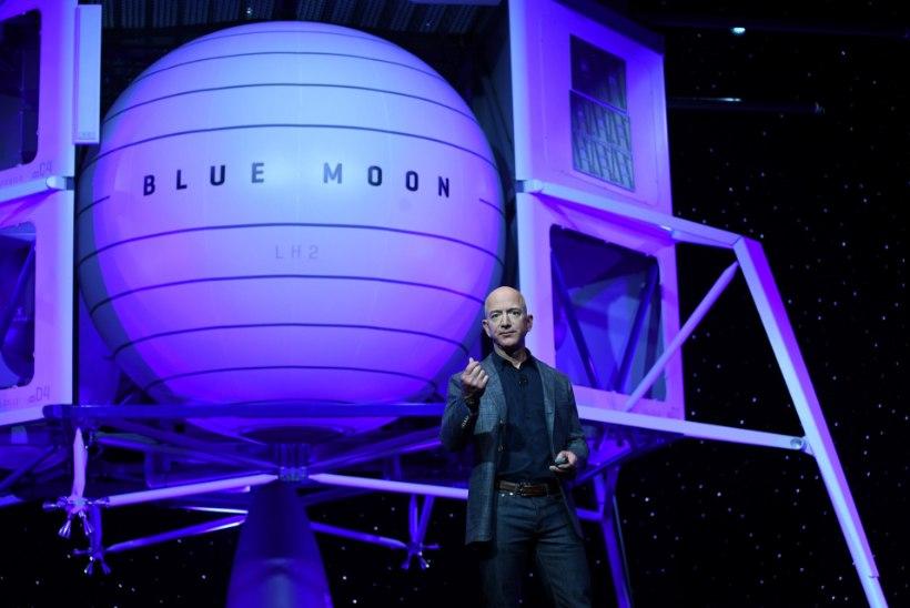 Maailma rikkaim inimene tutvustas uut kosmoselaeva, mis suudab Kuul maanduda