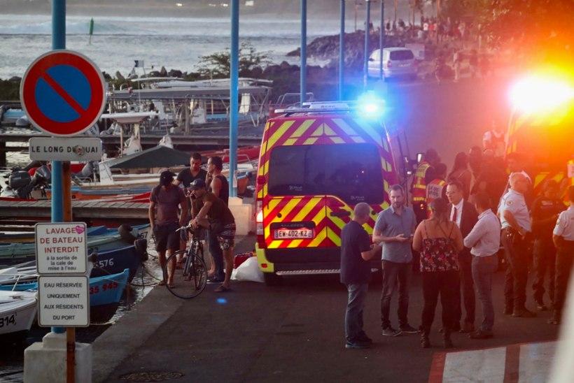 KOHUTAV: hai tappis Réunioni saare rannikul surfaja