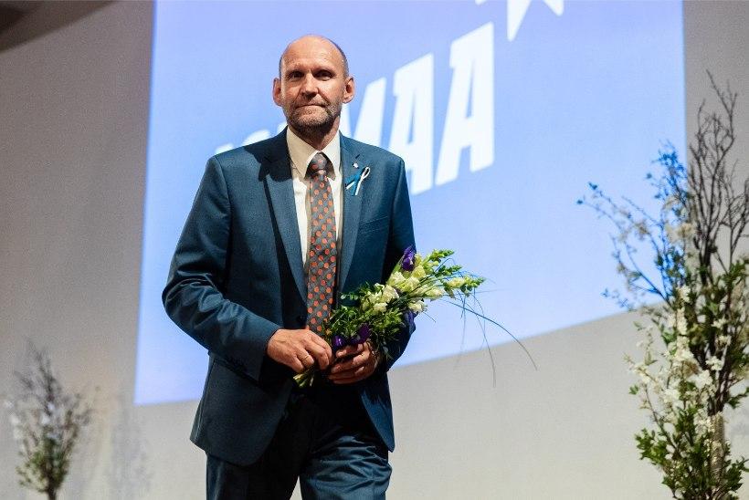 FOTOD SUURKOGULT | Helir-Valdor Seeder jätkab Isamaa esimehena. Tunne Kelamist sai auesimees