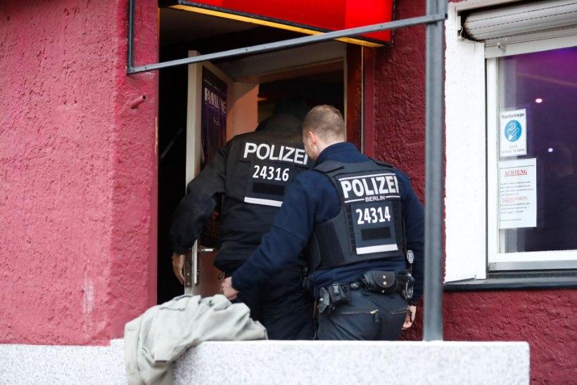 Tappev vibupüss: Saksamaa hotellis leiti kolm nooltega lastud surnukeha