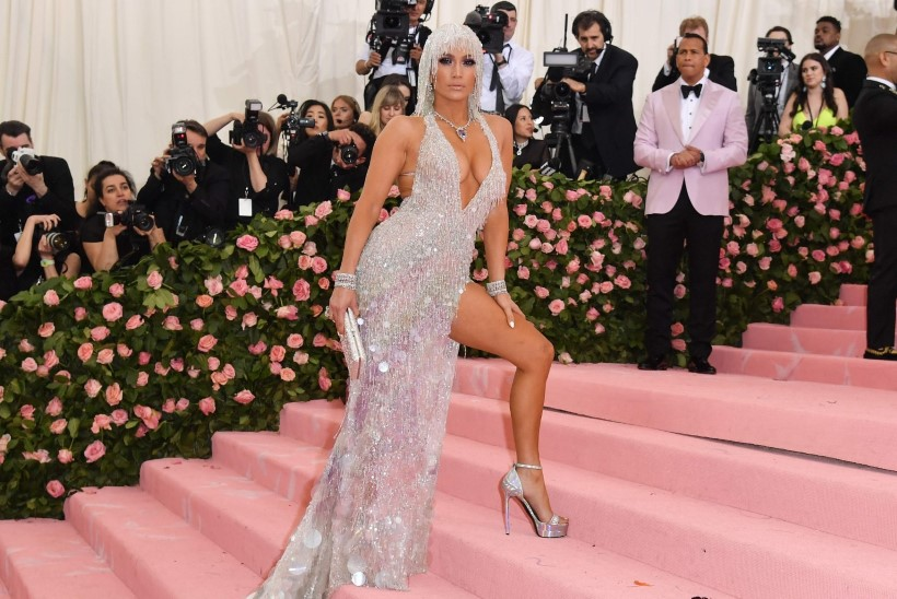 Jennifer Lopezi 11aastane tütar laulab emast pareminigi?!
