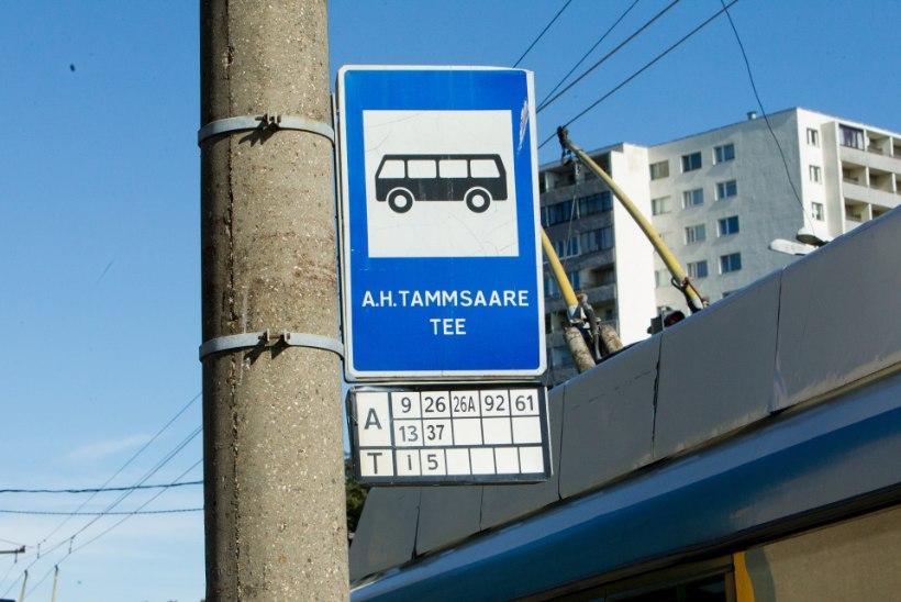 Tallinnas põrkas tipptunnil neli sõidukit kokku