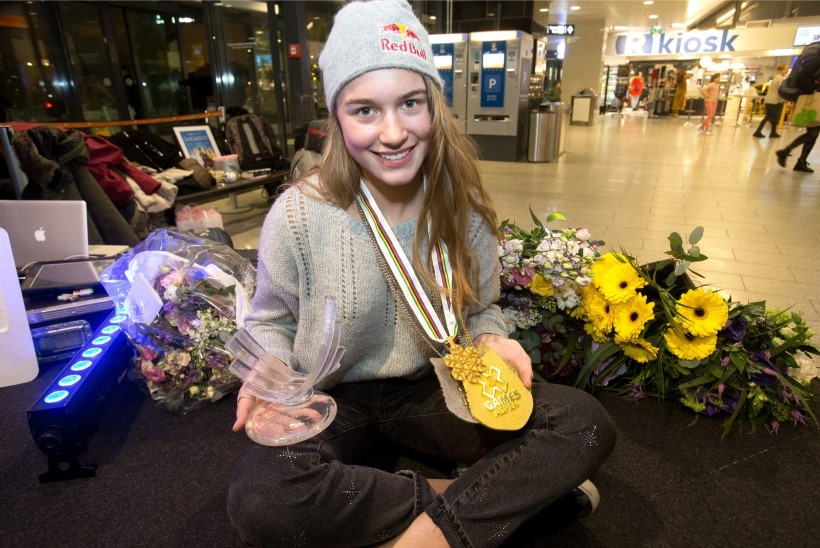 Eurovisioni finaalis edastab Eesti punktid Kelly Sildaru