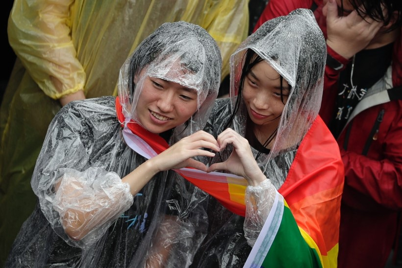 Taiwan legaliseeris esimese Aasia riigina samasooliste abielud