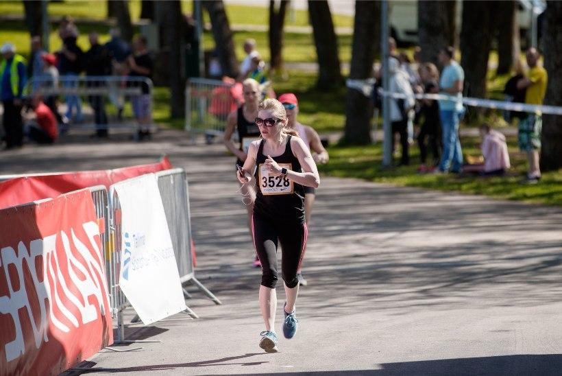 GALERII | Maijooks tõi Tallinna Lauluväljakule ligi 15 000 naist!
