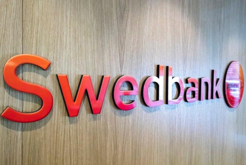 TELLERI PROHMAKAS: Swedbank kasseeris kliendilt eraldi teenustasu sularaha ja müntide eest