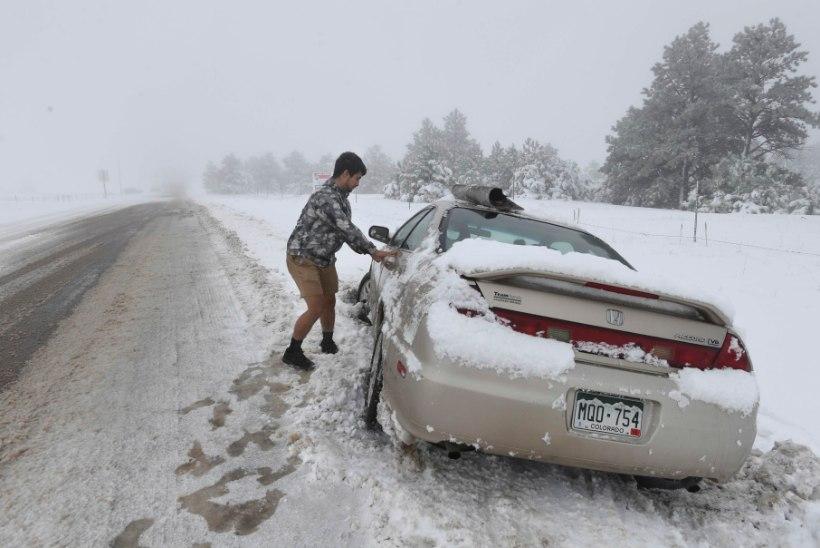 EBAHARILIK ILM: Colorado osariiki tabas hiliskevadine lumetorm