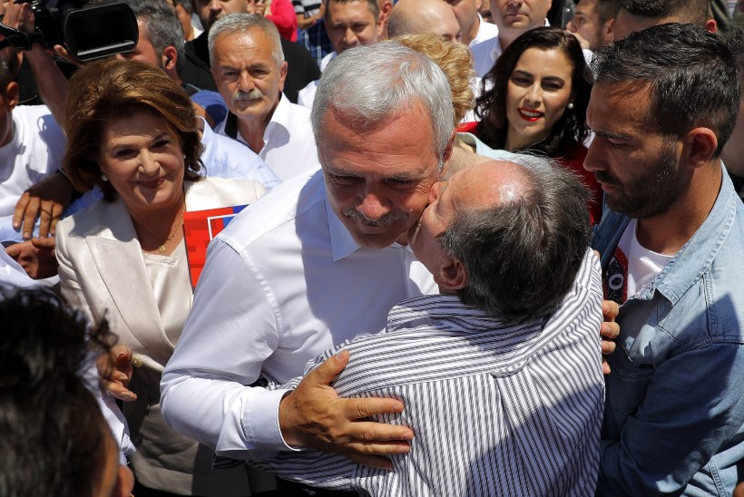"""Rumeenias on euroskeptikuteks, homoabielude vastasteks ja """"süvariigi"""" vaenlasteks hoopis sotsid"""