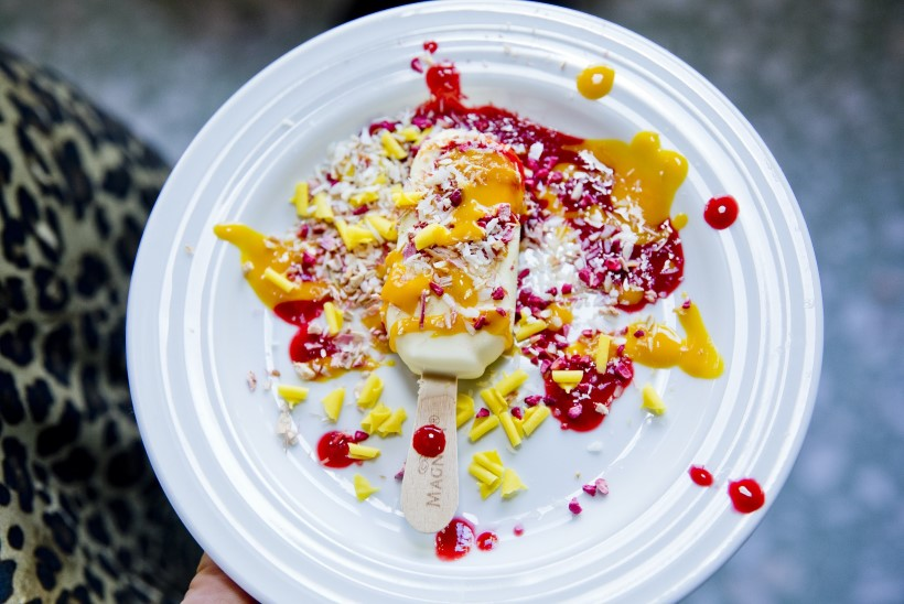 MÖLLUGALERII | Staarkunstnikud püherdasid jäätises ja šokolaadis