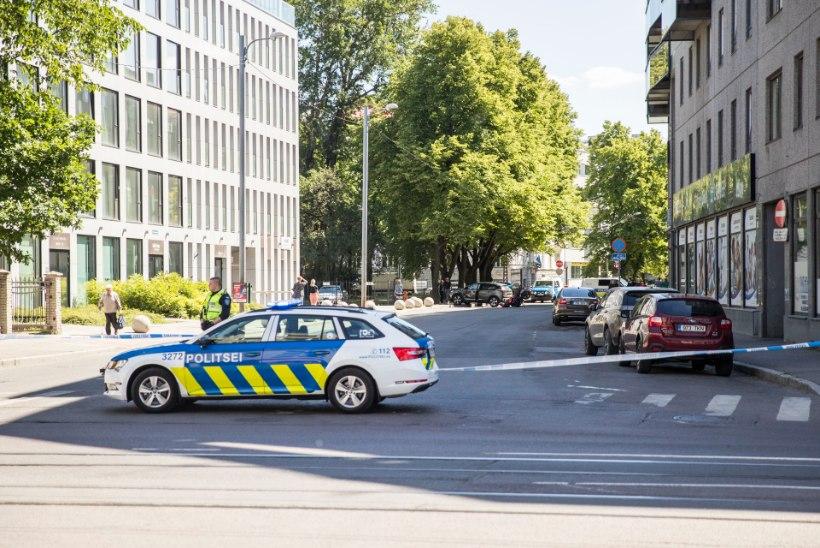 Tallinnas jäi eakas mees kaks korda järjest auto alla