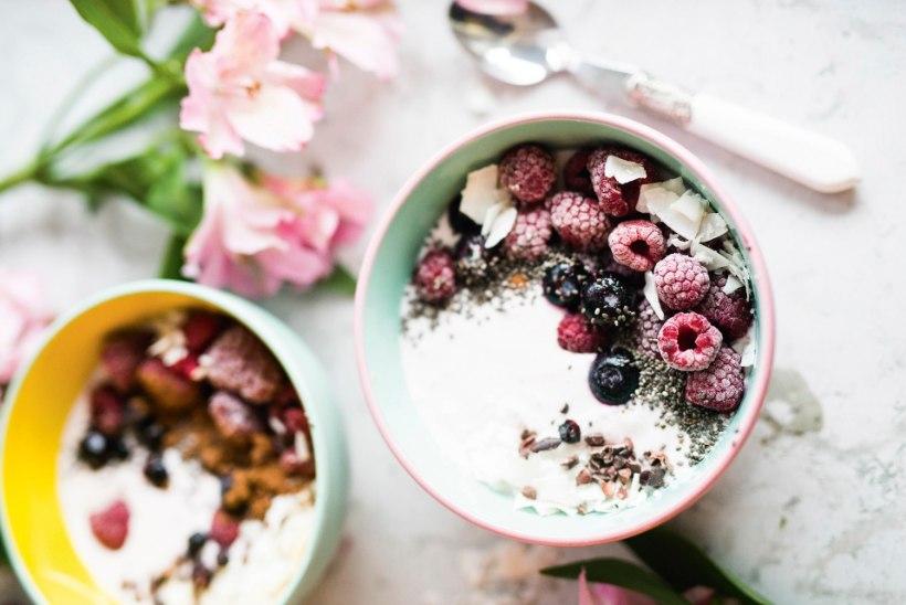 RETSEPT | Tervislik ja värviline kausimagustoit, mis sobib nii hommikusse kui õhtusse