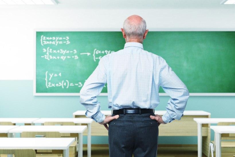 PERVERSNE LÄHENEMINE: õpetaja libistas käega üle õpilase selja