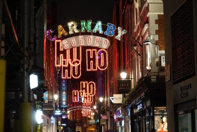 В Лондоне появился нудистский паб