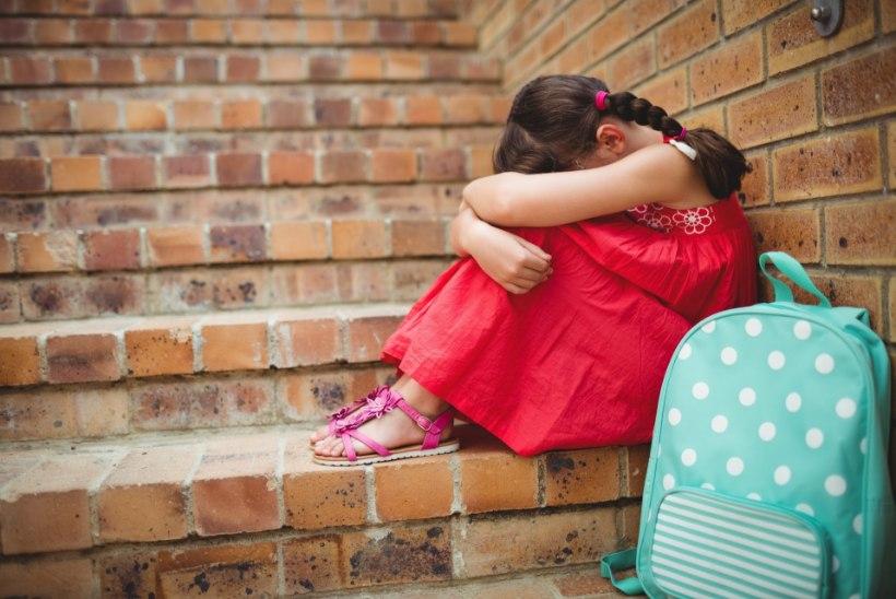 Õnnetu laps: keegi ei tulnud mind kevadpeole vaatama!