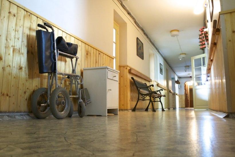 Hooldekodud püsti hädas: töötajaid napib, veel vähem leiab koolitatud hooldajaid
