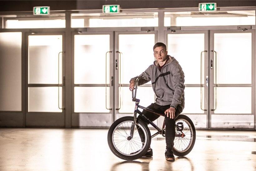 FOTO | Olümpiale pürgiva Eesti ekstreemsportlase jalg murdus viiest kohast